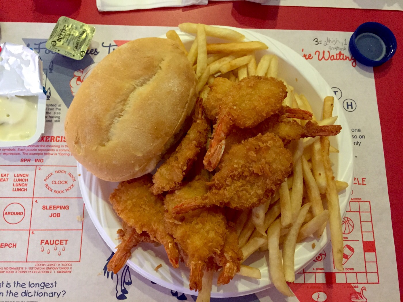 Fried shrimp and fries with bread